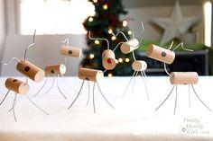 Wine Cork Reindeer - 10 Days of 15 Minute DIY Gift Ideas #easyholidayideas