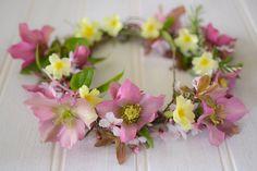 DIY: how to make a spring flower crown – Decorator's Notebook blog Paper Flower Wreaths, Flower Garlands, Paper Flowers, Floral Wreath, All Flowers, Spring Flowers, Beautiful Flowers, Wedding Flowers, Flower Crown Bride