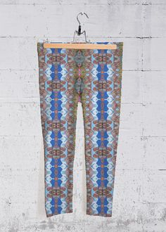 Original artwork embellishes our four-way stretch, mid-rise printed capri pants designed to make you stand out at the gym, in the studio, or on the go. Each capri legging is hand-cut and made in California. Capri Leggings, Capri Pants, Signature Design, Fashion Labels, Embellishments, Original Artwork, Rainbow, Artist, Pattern