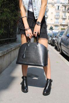 Image issue du site Web http://www.fashiontest.fr/wp-content/uploads/camaloon-bottines-zara-alma-louis-vuitton-fashiontest-blog-mode-11.jpg
