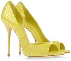 Casadei yellow snake skin shoes!!! www.missKrizia.com