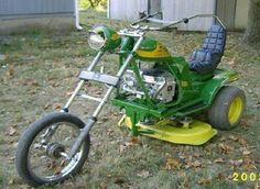 Since not everyone has a John Deere, here are the most redneck mowers of all time.These funny redneck lawnmowers and tractors will make you laugh at how ridiculous they are. Rat Rods, John Deere Lawn Mower, Harley Davidson, Redneck Humor, Redneck Quotes, Riding Lawn Mowers, Hells Angels, Mini Bike, Mini Motorbike
