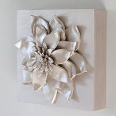Make your own 3D Flower Wall Hanging with just a few materials! Beautiful!