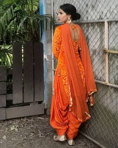 Do you require the best quality Elegant Punjabi Suit also Elegant ladies Salwar suits in which case Click Visit link above for more options Simple Indian Suits, Ladies Suits Indian, Patiala Suit Designs, Kurti Designs Party Wear, Fancy Dress Design, Stylish Dress Designs, Indian Designer Outfits, Indian Outfits, Indian Dresses