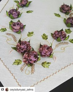 Silk Ribbon Embroidery, Embroidery Applique, Machine Embroidery, Embroidery Designs, Ribbon Art, Flower Making, Sewing Crafts, Models, Quilts