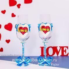 Свадебная коллекция аксессуаров Love is, оригинальные атрибуты Лав Из для необычной свадьбы - реквизит с любимыми героями!