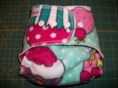 Simple Diaper-Sewing Tutorials: One-Size Hybrid Fitted Diaper Cover Pattern, Cloth Diaper Pattern, Used Cloth Diapers, Cloth Nappies, Sewing For Kids, Baby Sewing, Sew Baby, Wet Bag, Book Folding