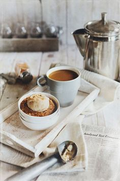 Pretty coffee, crumble and ice cream photo by Vanessa Rees @Vanessa Samurio Samurio Samurio |  v.k.rees photography.