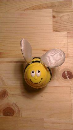 Bee rattle