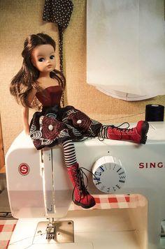 1970s Dolls, Dolls Dolls, Vintage Barbie, Vintage Dolls, Fashion Sewing, Fashion Dolls, Dorothy Wizard Of Oz, Tammy Doll, Junk Mail