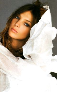 Daria Werbowy by Gilles Bensimon for ELLE US | Fashion photography | Editorial
