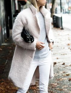 Proof+You+Can+Wear+White+Jeans+in+Winter via @PureWow