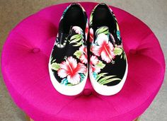#OMGshoes These Vans Classic Slip-On Sneaker in Hawaiian Floral pack a colorful punch and transport us to the tropics! Photo credit: https://instagram.com/p/05U7g_HlRn/