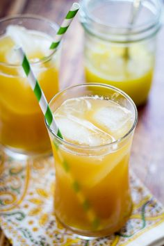 TThis Pineapple Ginger Iced Tea recipe combines fresh pineapple, ginger and unsweetened iced tea for a delicious and refreshing pineapple tea drink. Ginger Iced Tea Recipe, Iced Tea Recipes, Ginger Tea, Drink Recipes, Refreshing Drinks, Summer Drinks, Fun Drinks, Healthy Drinks, Healthy Smoothies