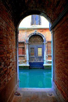 bluepueblo: Venice Blues, Venice, Italy photo via koala