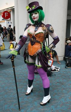 "thought it was a ""Steampunk Female Joker"", come to find out it is a cosplay of Duela Dent.  I stand correct and correct my pin accordingly.  Comic-Con 2012"