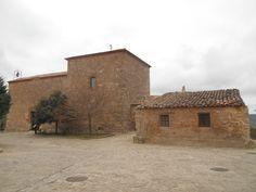 Ermita del Beato Julián y casa cercana