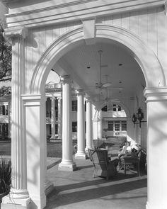 River Oaks Boulevard Garden Pavilion