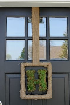 The exterior remodel was finished right before Halloween and ever since then our old mailbox was just sitting on the bottom porch step. Summer Door Wreaths, Wreaths For Front Door, Spring Wreaths, Front Porch, White Wreath, Diy Wreath, Wreath Ideas, The Door Into Summer, Picture Frame Wreath