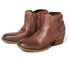 Rosse Tan (£150.00) - This cracking leather ladies ankle boot with Cuban heel, bears an inside zip on a leather sole in washed out vintage s...