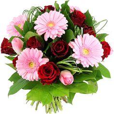 UN UNIVERS DE LUXE ET D'ÉLÉGANCE  Pétillant et profond, ce joli bouquet rond vous entraîne dans une farandole de sensations. Roses rouges, et germinis rose tendre vibrent à l'unisson pour offrir une composition élégante et généreuse. Le bouquet des amoureux par excellence, ALIZARINE exprimera à merveille la plénitude de vos sentiments.