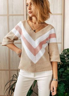 Crochet Art, Crochet Woman, Crochet Stitches, Knitting Patterns, Crochet Patterns, Knitting Books, Crochet Cardigan, Crochet Fashion, Summer Tops