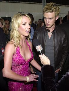 Britney Spears Outfits, Britney Spears Photos, Britney Jean, Famous Couples, American Music Awards, Justin Timberlake, Female Singers, Celebrity Couples, Pretty Woman