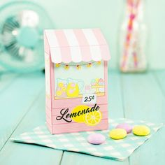 Easy-peasy lemon squeezy! Make this sweet little lemonade stand treat box. They make perfect summer party favors :)