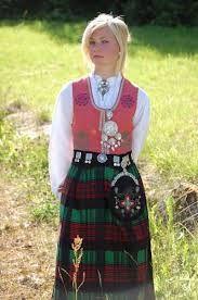 Bilderesultat for nordmørsbunad sølv Folk Costume, Costumes, Safari, Medieval Dress, Traditional Dresses, Norway, Scandinavian, Decor Ideas, Beauty
