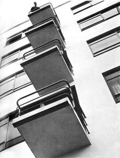 László Moholy-Nagy: Bauhaus balconies, Dessau, 1925-28
