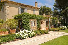 Le Jardin d'Aurélia, prestige vacation rental, Provence, France.