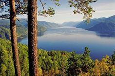 Lake Teletskoye, Siberia, #Russia