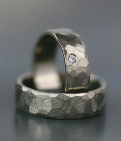His/hers, hers/hers, his/his faceted wedding band set Simply stunning for men or women, these minimalist and modern rings incorporate timeless...