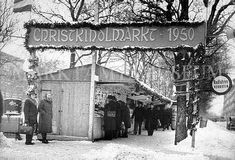 Short history of the Vienna Christmas Market and its various locations by Municipal Department 59 - Food Inspection and Market Authority Vintage Christmas Photos, Vintage Holiday, Vintage Photos, Vienna Christmas, Christmas Markets, Old Pictures, Bangkok, Past, Old Things