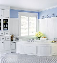 Love the built ins and the idea of a corner tub that is not an actaul triangle tub
