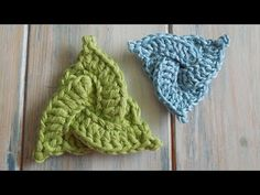 (crochet) How To - Crochet a Celtic Triangle - Yarn Scrap Friday - YouTube