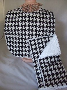 Black and White Houndstooth Bib and Burp Set -- Great Baby Shower Gift. $14.00, via Etsy.