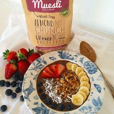 Gorgeous breakfast bowl featuring our #AlmondNutCrunch by @onehealthybeing! #freshnessfinefoods