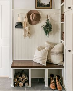 Joanna Gaines, Bridgewater House, Fixer Upper House, Living Room Colors, Mudroom, Decoration, Home Furnishings, Living Spaces, Living Rooms
