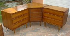 This is fabulous!!!  I need a set like this!!! 3-piece Sectional Corner Vintage Dresser Set by Dixie