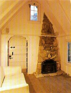 """Tiny """"Hansel"""" cottage, Carmel-By-The-Sea, California - Living / Dining room"""