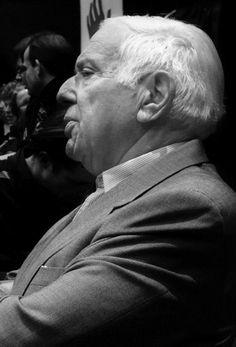Indolenţa şi aroganţa, împletite cu lipsa de cultură şi obrăznicia conducerii Sălii Palatului, instituţie subordonată Guvernului României, sînt factori permanenţi de greutăţi şi înjosiri. Festivalul Enescu a fost dintotdeauna ca un ghimpe în coaste pentru RA-APPS, încurcîndu-le alte programări ce aduc profituri mai ridicate. Dilema, Mai, Georgia, Couples, Couple Photos, Couple Shots, Romantic Couples, Couple, Couple Pics
