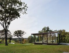 US firm Desai Chia Architecture used prefabricated elements to construct this glass and steel home in rural New York that serves as as a weekend retreat Upstate New York, Prefab Guest House, Building Development, Solar Shades, Outdoor Seating Areas, Interior Design Magazine, Glass Boxes, Zaha Hadid, Sustainable Design