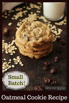 This is the best small batch oatmeal cookie recipe! Buttery and crisp edges and soft and chewy centers. Yields of the best oatmeal cookies! Soft Oatmeal Cookies, White Chocolate Chip Cookies, Oatmeal Cookie Recipes, Raisin Cookies, Cookie Desserts, Holiday Desserts, Cookie Jars, Chocolate Desserts, Small Batch Cookie Recipe