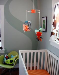 Retro moderne babykamer. Retro moderne babykamer wit oranje