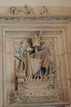 Bourges - Palais Jacques Coeur - Chambre des Galées - Bas-relief d'une galée | Flickr: partage de photos! Bourges, Relief, Cher, Castles, Berry, Centre, Painting, Mansions, Photos