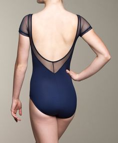 Show off your lovely neck and arms with this classy mesh fabric leotard! It has a shelf lining and is a great addition to your wardrobe.