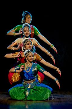 Praveen Kumar - Bharatanatyam group dance by Praveen Kumar and team