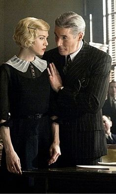 Renèe Zellweger and Richard Gere as Roxy Heart and Billy Flynn in 'Chicago' (2002). Costume Designer: Colleen Atwood.