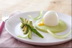 Découvrez cette recette en vidéo pour apprendre cette recette de Oeuf mollet et purée d'asperges